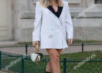 Einfach Stock Photo Of Street Style, Fall Winter 2018, Paris Fashion Week, France